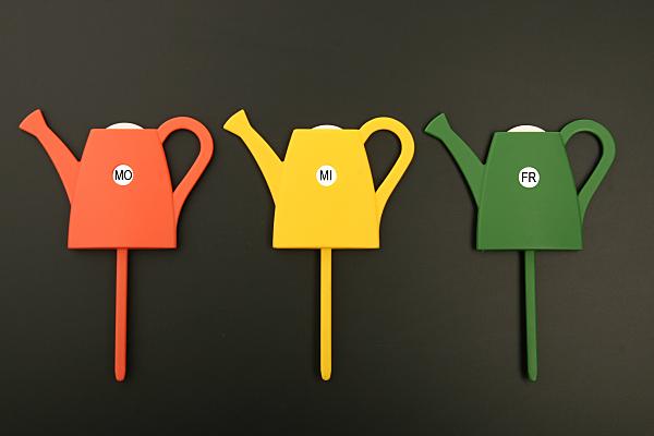 Werbefoto von 3 farbige Giess-Erinnerungsstäbe
